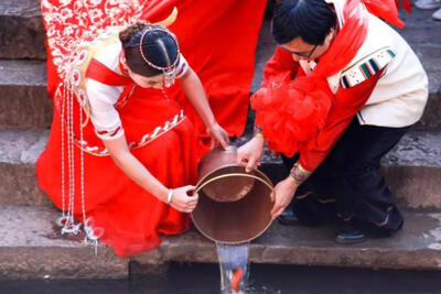 Wedding planner reviving Naxi traditions in Lijiang
